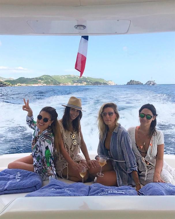 Influencers curtem passeio de barco (Foto: Instagram/Reprodução)