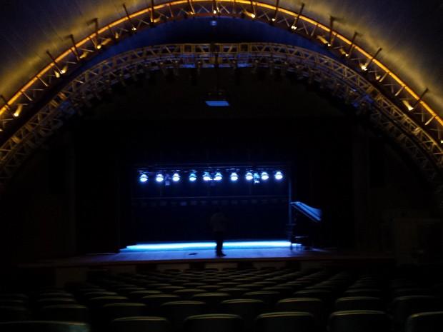 Palco restuarado do Teatro Francisco Nunes, no Parque Municipal.  (Foto: Flávia Cristini/ G1)