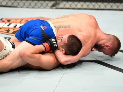 Tim Elliott x Louis Smolka UFC Kansas CIty (Foto: Getty Images)