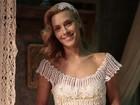 Tule e renda! Iolanda arrasa em vestido romântico off-white