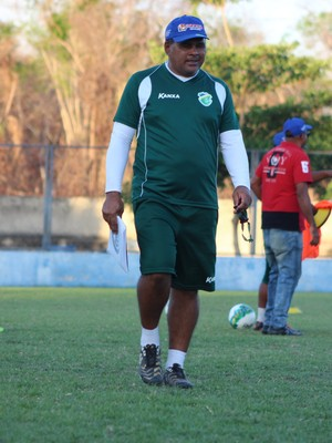 Romildo Freire, auxiliar técnico do Altos (Foto: Joana D'Arc Cardoso)