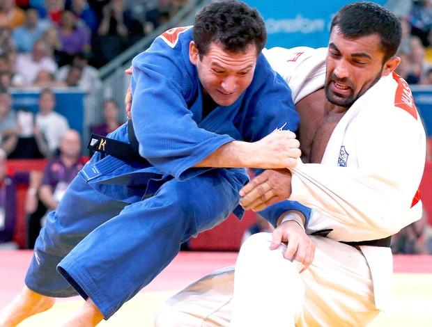 Tiago Camilo na luta de judô contra Ilias Iliadis (Foto: Reuters)