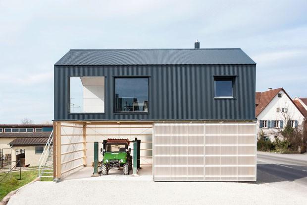 Casa com garagem para caminh o casa vogue casas for Granny flat above garage