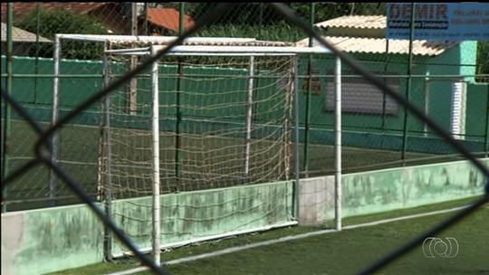 Menino morre após ser atingido por trave de gol em Goianápolis, GO