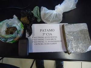 Maconha, crack e cocaína foram apreendidos nesta sexta-feira (19 de julho) em Armação de Búzios, RJ (Foto: Polícia Militar)