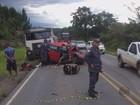 Batida de carro em carreta mata motorista de 61 anos em Itutinga, MG