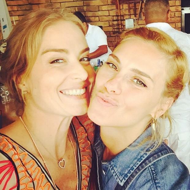 Angélica e Carolina Dieckmann em festa no Rio (Foto: Instagram/ Reprodução)