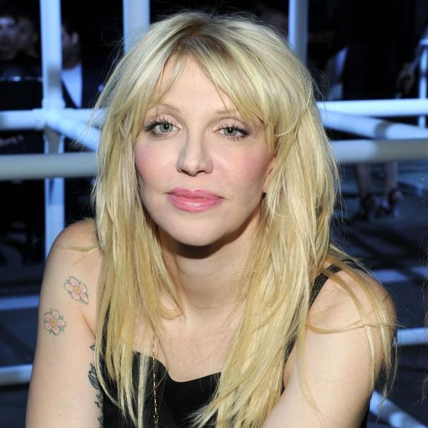 Quando tinha apenas 14 anos, Courtney Love foi presa por roubar uma camiseta (Foto: Getty Images)