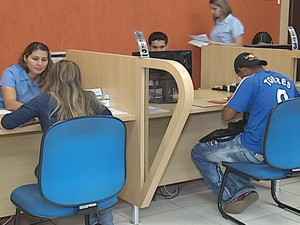 Diariamente são cadastradas oportunidades de emprego pelo sine. (Foto: Reprodução Inter TV dos Vales)