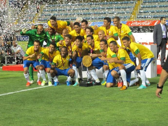 Brasil, bicampeão do Superclássico (Foto: Marcio Iannacca / Globoesporte.com)