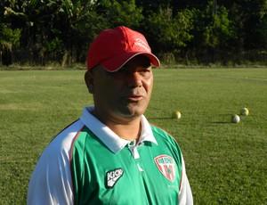 Técnico Vagner começa a conhecer os atletas do elenco. (Foto: Kaleo Martins / Globoesporte.com)
