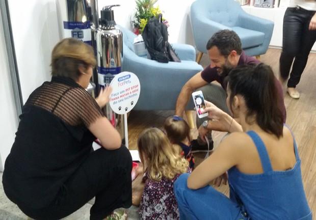 Kyra Gracie e Malvino Salvador com as filhas, Ayra e Kyara (Foto: Pascale_photo)