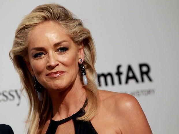 Sharon Stone já teve alta, mas teve que cancelar ida ao Equador (Foto: Divulgação)