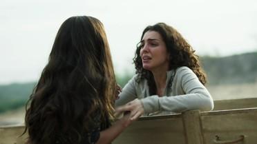 Luciana encontra Ciça presa num caixão