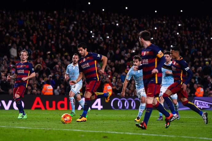 pênalti Luis Suárez e Messi, Barcelona x Celta (Foto: David Ramos / Getty Images)