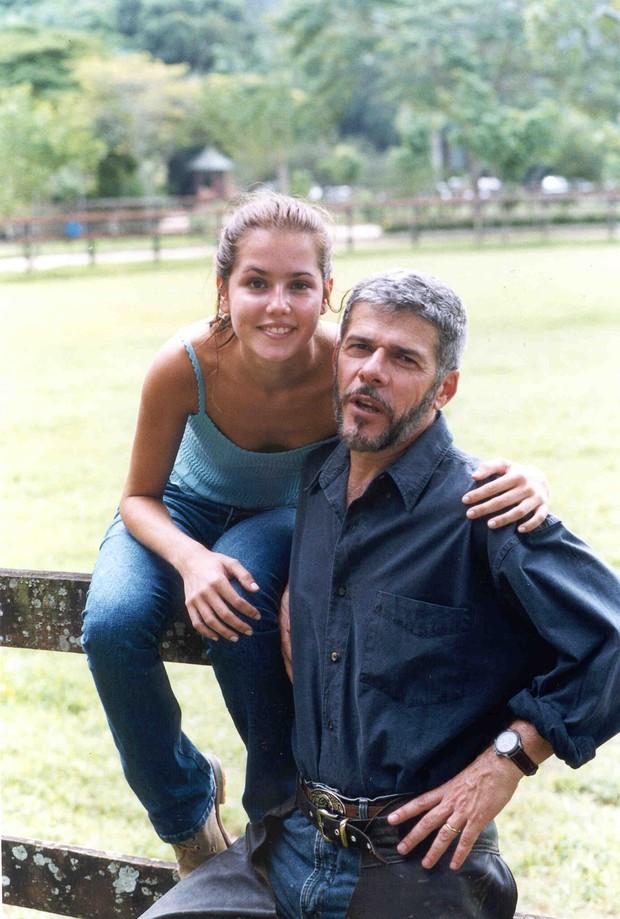 "Deborah Secco e José Mayer em ""Laços de Família"" (Foto: TV Globo)"