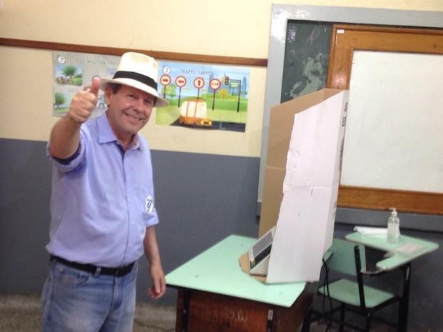 Candidato Ronaldo Dimas vota em Araguaína (Foto: Divulgação/Assessoria)
