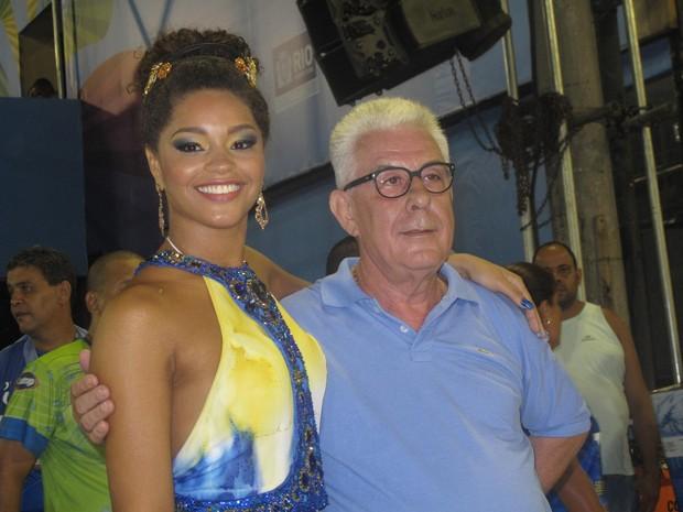 A rainha de bateria Juliana Alves e o presidente da Unidos da Tijuca Fernando Horta (Foto: Isabela Marinho/ G1)