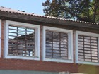 'Muita tristeza', diz vice-diretora sobre escola incendiada em Guaíba