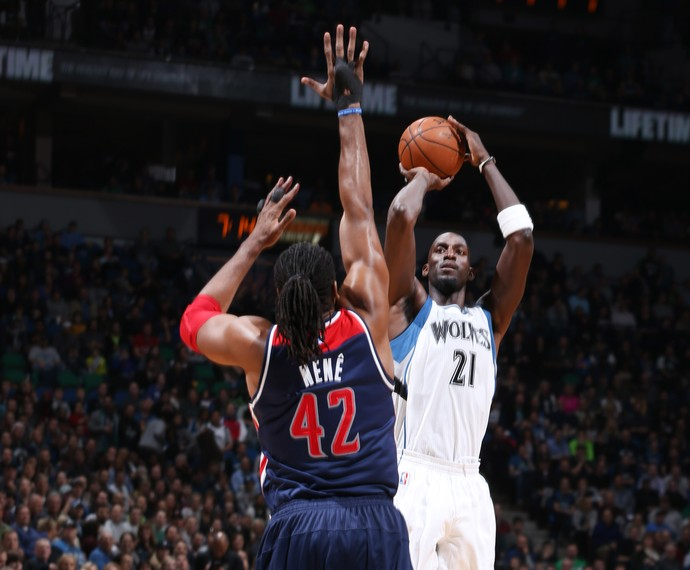 Nenê e Kevin Garnett Wizards x Timberwolves NBA (Foto: Getty)