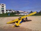 Ultraleve cai em praia de Vila Velha e piloto morre no ES
