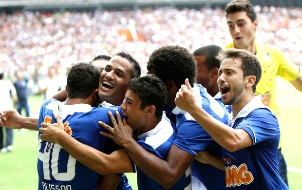 Anselmo Ramon comemora gol do Cruzeiro contra o Atlético-MG (Foto: Washington Alves / Vipcomm)
