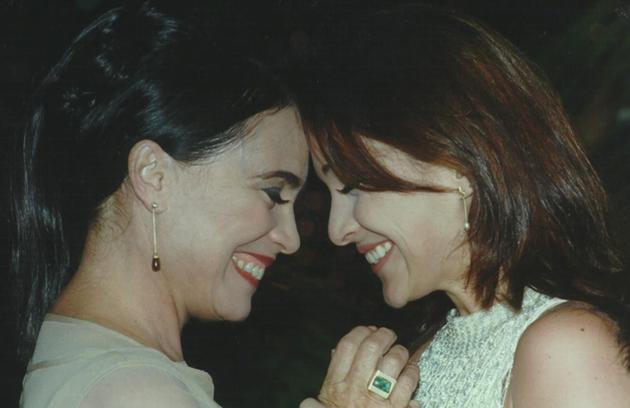 Regina Duarte, que foi a Helena em 'Por amor', trocou em segredo seu bebê recém-nascido pelo natimorto de Maria Eduarda, sua filha na novela  (Foto: TV Globo)