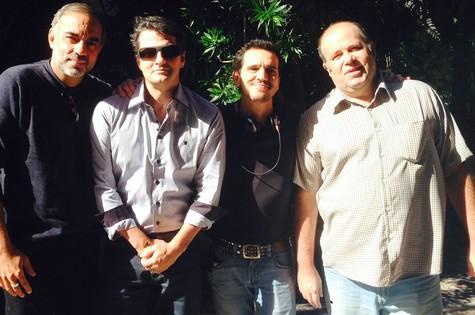 Time do longa 'No retrovisor': o produtor Augusto Casé, Marcelo Serrado, o diretor Johnny Araújo e Otávio Muller (Foto: Arquivo pessoal)