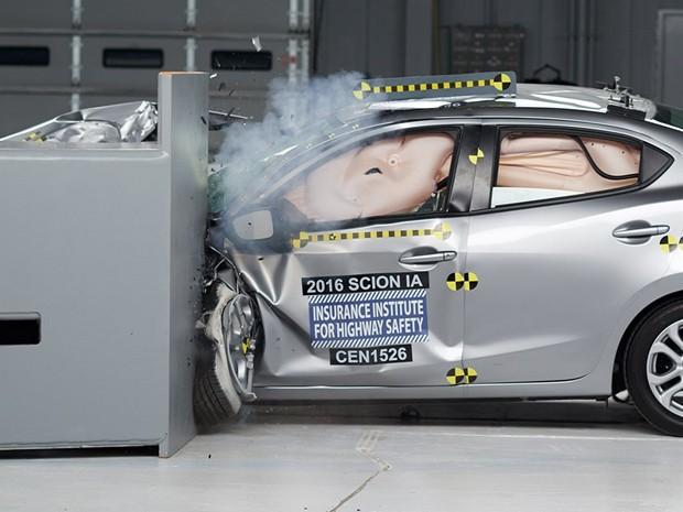 Órgão americano faz os testes de colisão mais rigorosos (Foto: Divulgação)
