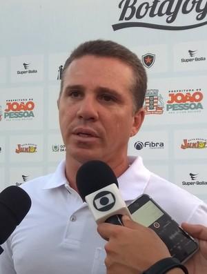 Fábio Farias, médico do Botafogo-PB (Foto: Larissa Keren / GloboEsporte.com/pb)