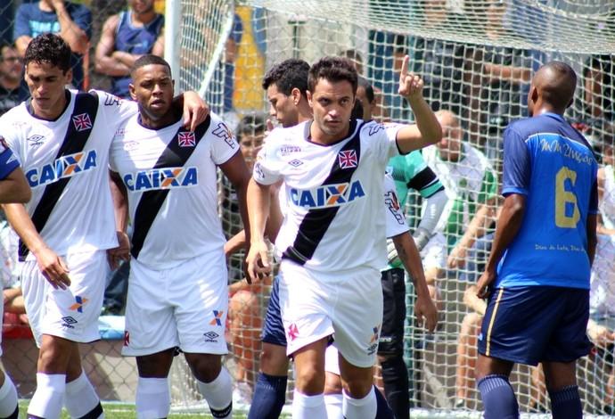 Falcão brilha na estreia e marca duas vezes na goleada do Vasco no fut 7 c47cd24355678