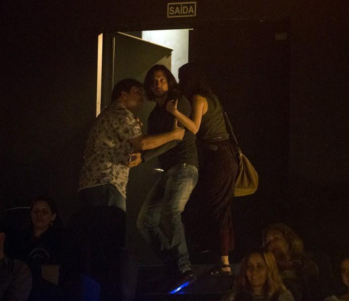 Gui Santiago é retirado da apresentação de Chiara por Júlia e Nelson (Foto: Felipe Monteiro / Gshow)