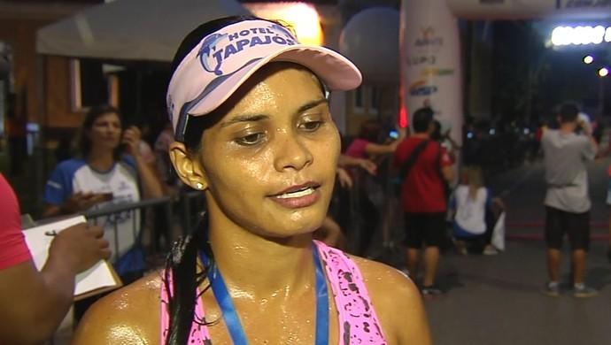 Emilly Andressa Azevedo venceu no geral feminino (Foto: Reprodução/TV Tapajós)