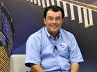 Eduardo Braga é entrevistado em rádio (Marina Souza/G1 AM)