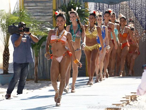 Meninas arrasam no desfile da ONG (Foto: Flor do Caribe / TV Globo)
