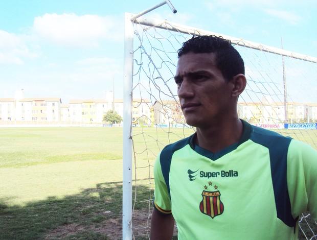 Meia-atacante Lucas quer ser decisivo de novo (Foto: Afonso Diniz/Globoesporte.com)