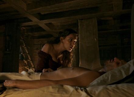Anita seduz Guilhermo e descobre a verdade sobre o Duque de Ega