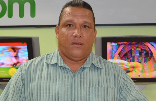 Técnico Givanildo Sales (Foto: João Áquila, GLOBOESPORTE.COM)