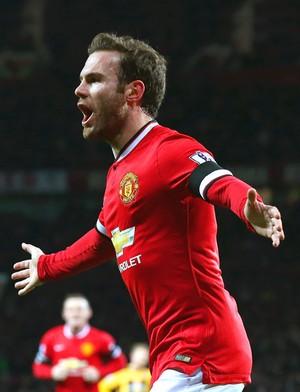 Juan Mata comemora gol do Manchester United contra o Cambridge (Foto: Getty Images)