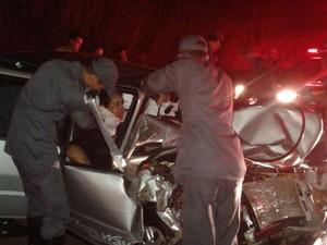 Acidente na MG-170 los Moema envolvendo van e Carro (Foto: Polícia Militar Rodoviária / Divulgação)