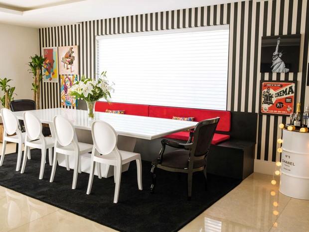 Na sala de jantar, mais referências à pop art nas paredes (Foto: Marcelo Tabach/Ed. Globo)