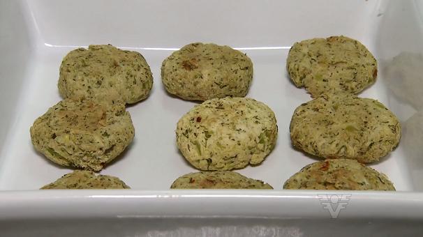 Hamburguinho de frango com brócolis (Foto: Reprodução/TV Tribuna)