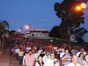 Preocissão mobilizou cerca de mil pessoas  (Foto: Marcelo Praxesdes/Divulgação)
