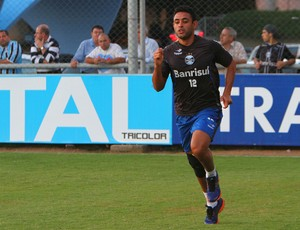 Werley corre para recuperar a forma no Grêmio (Foto: Lucas Uebel/Grêmio FBPA)
