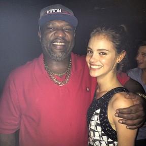 Mister Catra e Laura Neiva em festa de Hugo Gloss na Zona Sul do Rio (Foto: Instagram/ Reprodução)