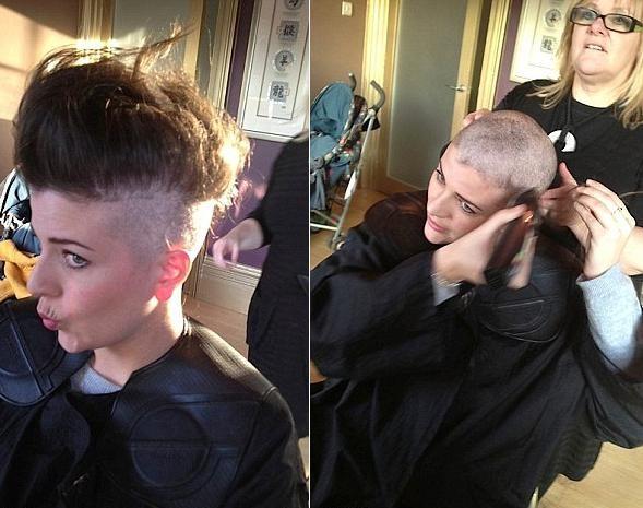 Laura mostrou em seu blog o procedimento de quando livrou-se, pouco a pouco, dos cabelos (Foto: arquivo pessoal)