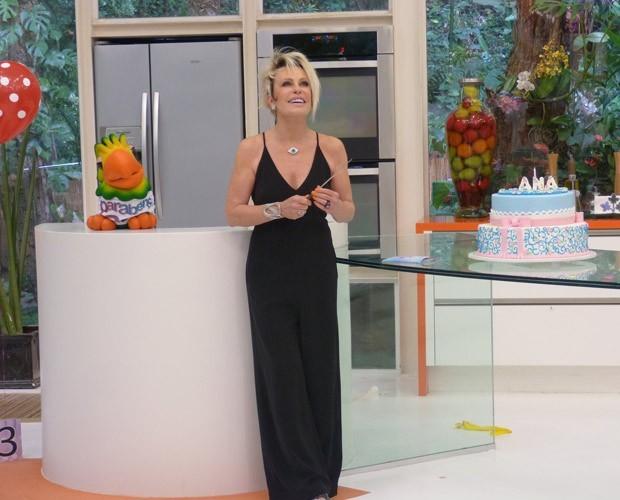 Ana Maria usa macacão preto em seu aniversário (Foto: Divulgação / TV Globo)