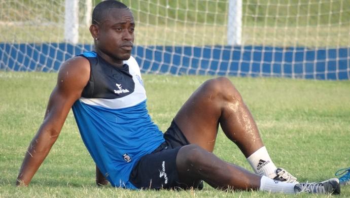 Zé Paulo, atacante do CSA (Foto: Leonardo Freire/GloboEsporte.com)