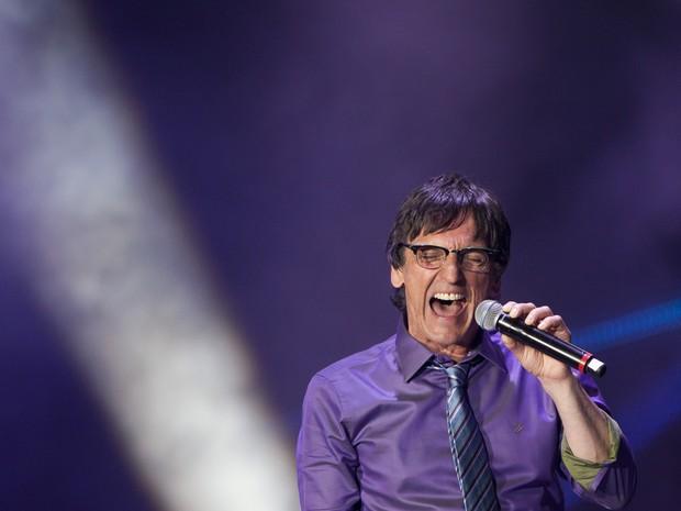 Paulo Miklos canta em tributo a Cazuza (Foto: Felipe Dana/AP)