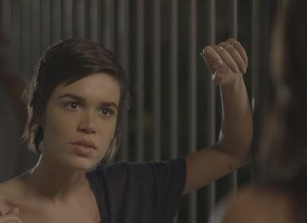 Leila acusa Carolina de ter vazado fotos de Eliza